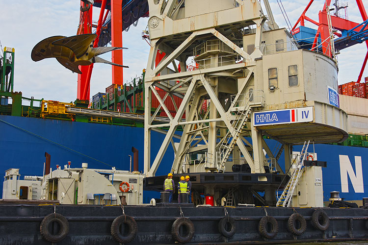 HHLA Floating Crane Loads World's Biggest Ship Propeller Onto A Vessel At The Port Of Hamburg 9