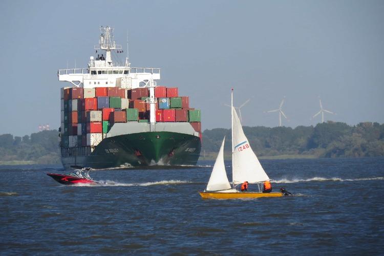 Ship vs Boat