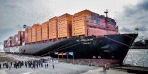 "Hapag-Lloyd's 15,000 TEU Container Ship ""Al Jmeliyah"" Christened In Rotterdam 8"