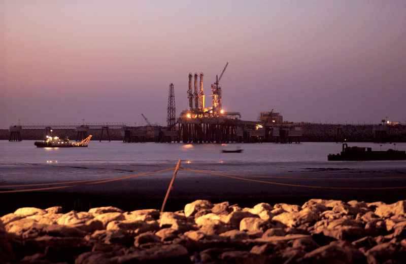 Shell Gas to acquire Total's 26% stake in Hazira LNG and Port