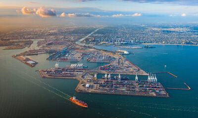 Port of Long Beach okays $870 million on-dock rail site to take containers off drayage carriers.