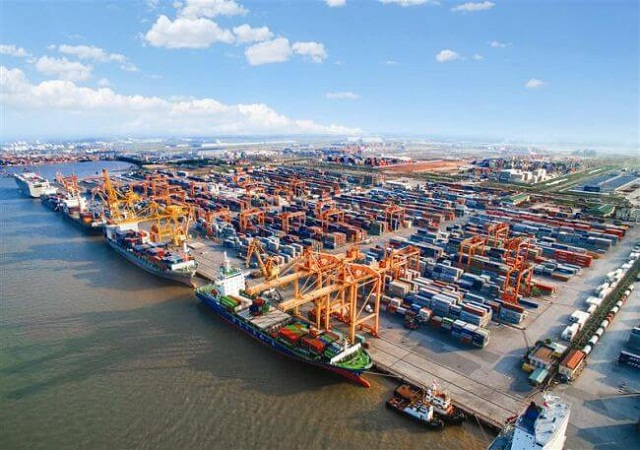Vinalines To Build 2 Terminals At $299 Million In Lach Huyen Port 1