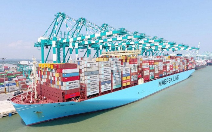 Moody's Downgrades Maersk's Ratings, Outlook Stable 1