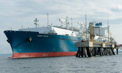 Höegh LNG to Provide FSRU to AGL's LNG Project 8