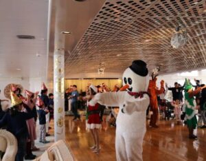 NYK Welcomes Families From Hope&Wish Aboard Christmas-Decorated Asuka II 2
