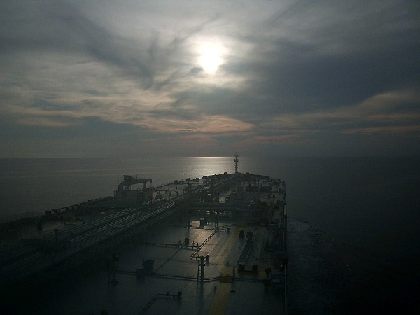 Hunter Group Further Delays Decision on VLCC Trio Order 5