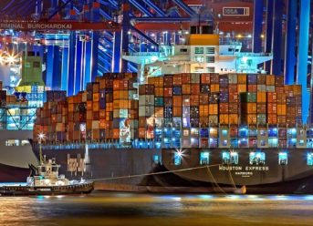 Moody's Upgrades Hapag-Lloyd Ratings, Outlook Stable 1