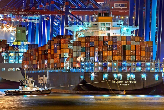 Moody's Upgrades Hapag-Lloyd Ratings, Outlook Stable 2
