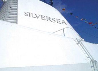 """Fincantieri Begins Dry Dock Works In Ancona On Silversea's """"Silver Moon"""" 1"""