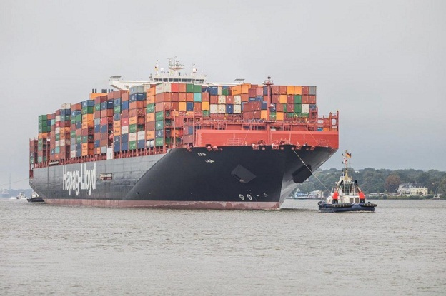 Hapag-Lloyd First to Convert Large Containership to LNG 4