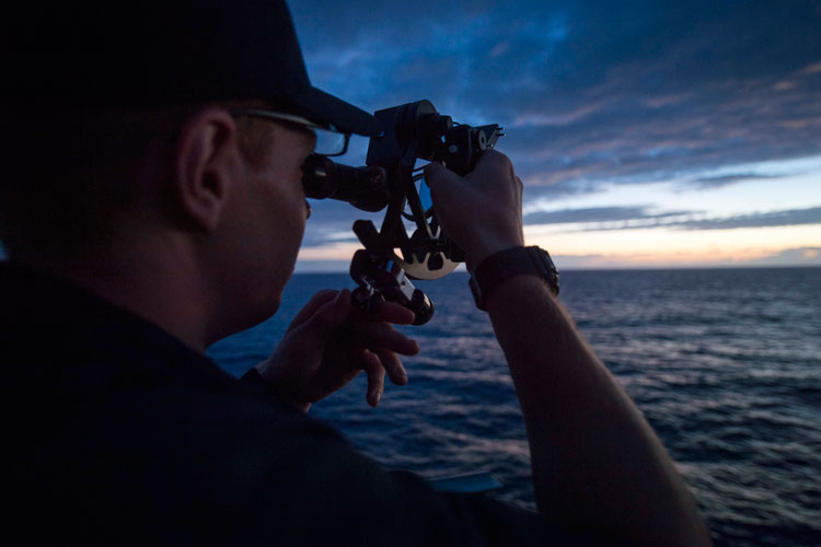 What Is A Marine Sextant? 5