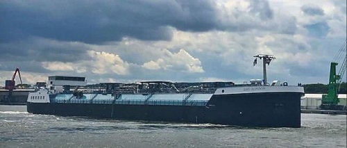 In Rotterdam Europe's First Inland-Waterway LNG Bunker Vessel Begins First Operations