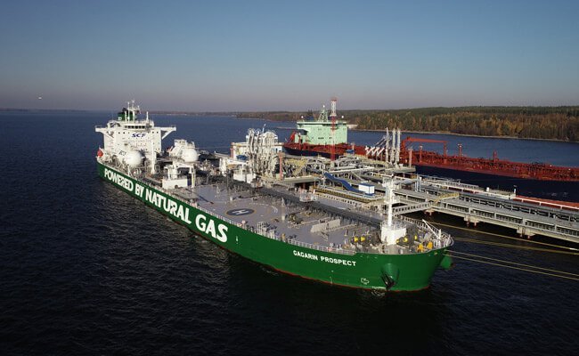 SCF Marks Significant CO2 Reductions In The First Year Of Operating LNG-Fuelled Oil Tankers