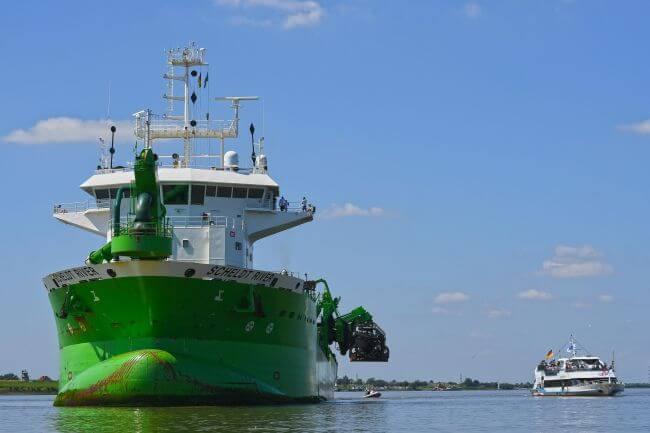 """Hoper Dredger """"Scheldt River"""" Kicks Off Works Of Elbe River"""