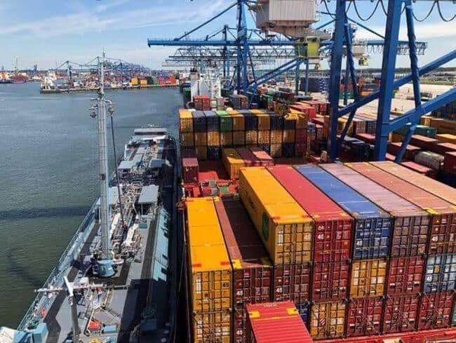 Containerships Performs Its First SIMOPS LNG Bunkering Operation On Container Vessel