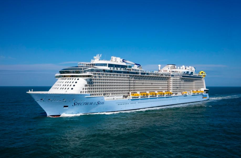 Royal Caribbean Spectrum Of The Seas Becomes The Biggest Cruise Ship To Visit Ports Of Russia