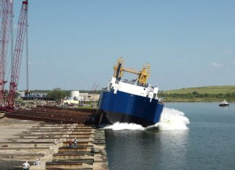 VT Halter Marine Launches First US-Flagged Offshore LNG Bunker ATB Barge For Q-LNG 4